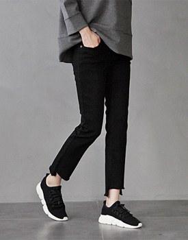Glen Cutting Black jeans