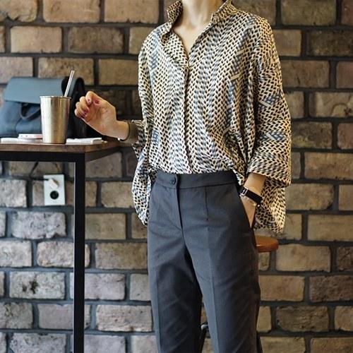 Print cuff slit shirt