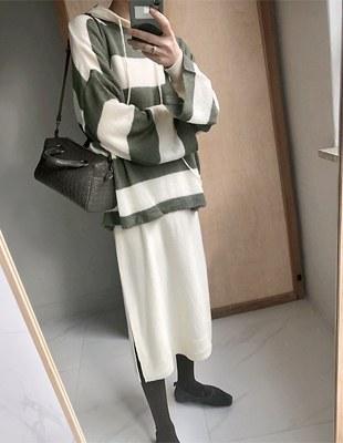 Swan Stripe Knit - 2c