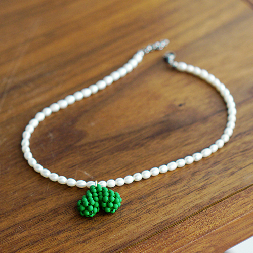 Fresh-Water Pearl Point Green Necklace